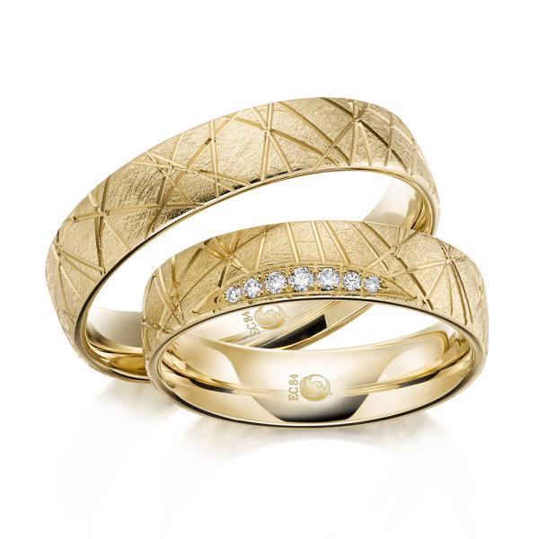 Trauringe Eheringe 1607 Gelbgold Gold strukturiert kristallmatt