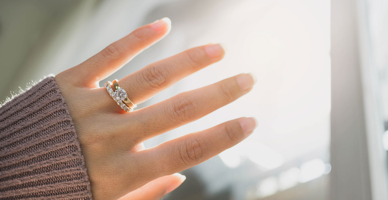 Bedeutet was ring welchem an finger Welcher Ring