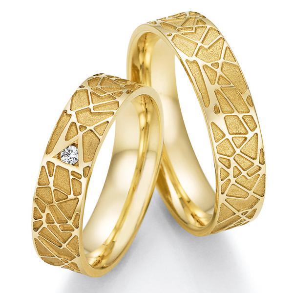 Trauringe Gelbgold TRS66RU63030G mit einem Diamanten